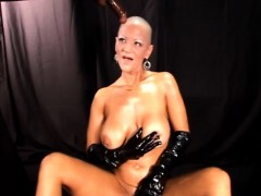 bold-mature-dominatrix-and-the-cock