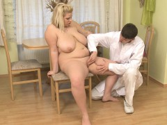 chubby-babe-takes-his-heavy-cock