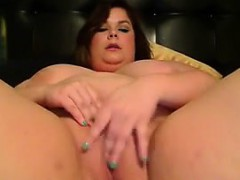 horny-bbw-fools-around-live