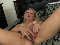 mature-housewife-loves-to-fuck