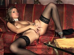 peaches-stripping-and-masturbating-in-lingerie