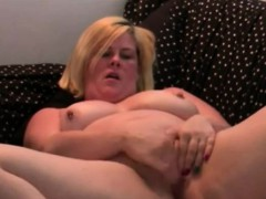amateur-chubby-blondie-hot-fingering