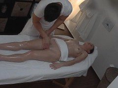 czech-amateur-girl-surprised-from-pussy-massage