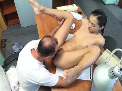 skinny-babe-creampied-by-the-doctor