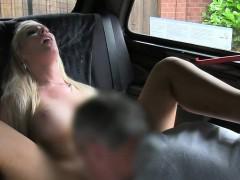 cab-driver-gets-rimjob-and-blowjob