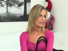 hot-casting-agent-in-lesbian-action