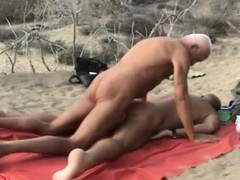 beachssex-mature-bears-jerry-and-harry