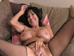 mature brunett assfucked on casting