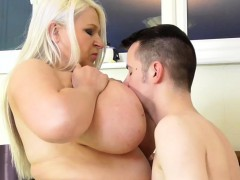 Young Window Washer Fucks Hard Fat Mature