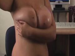 bbw-oiling-her-big-beautiful-boobs
