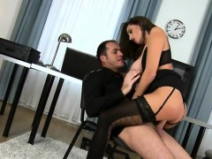 chesty-secretary-gets-humped-by-the-big-boss