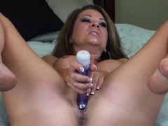 bodacious-cougar-raquel-devine-slowly-drills-her-fiery-slit-to-climax