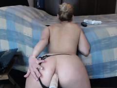 sexy-babe-ass-fucks-herself-on-webcam