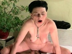 aged-groaning-granny-gets-fucked