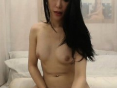 beautiful-shemale-with-perfect-body-seduces-and-masturbates