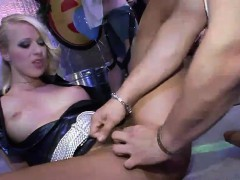 sexy-ladies-get-kinky-at-a-party