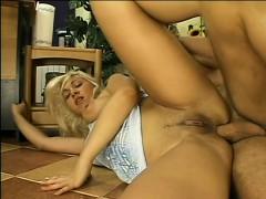sexy blond girl gets hardcore in the living room with great backdoor fuck – نيك الطيز