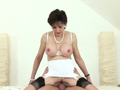 Cheating british mature lady sonia presents her monster melo