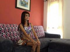 watch how this thai skinny bitch gets the job at the gogo bar layardewasa.com