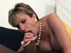 adulterous-british-mature-lady-sonia-presents-her-huge-tits
