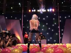 wild-public-dildo-sex-show