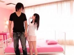 tiny-japanese-beauty-loves-giving-head