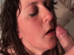 Curvy mature tramp enjoys sucking big dick