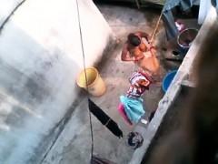 brandie-from-1fuckdatecom-bengali-mom-bath