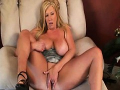 swinger-zoey-andrews-is-a-bbw-slut-tena-from-1fuckdatecom