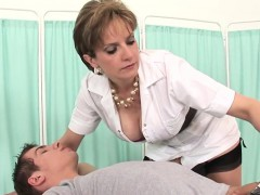 adulterous-british-mature-lady-sonia-presents-her-big-breast