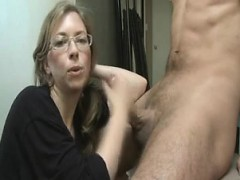karlyn-from-1fuckdatecom-horny-mom