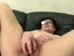 staci-from-1fuckdatecom-amateur-mature-mom-masturbating-wi