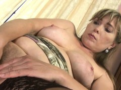 amateur-milf-with-hungry-hairy-poo-rickie-from-1fuckdatecom