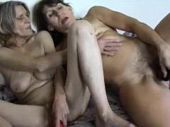 omapass-two-old-lesbians-are-using-dildos