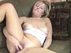 busty-housewife-lissa-fucks-her-mature-twat-with-a-toy