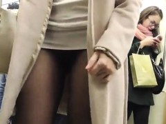 jeny-smith-seamless-pantyhose-subway-pussy-flash