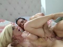 mature-slut-parker-swayze-gets-impaled-and-creamed
