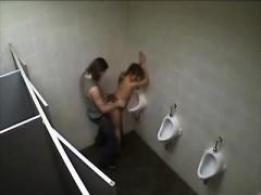 amateur-havin-fuck-in-toilet-that-is-public