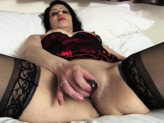frisky-arab-british-mommy-getting-breana-from-1fuckdatecom