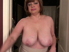 mature-american-milf-with-saggy-fa-pearly