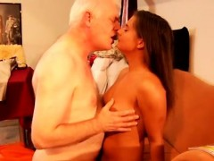 Mom Helps With Blowjob Latoya Makes Clothes, But She Likes B