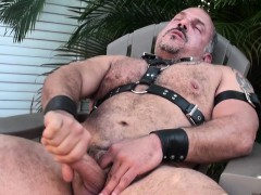 mature-leather-bear-jay-ricci-jerks-outdoors