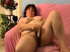 mature-alone-21-lavina
