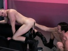 skinny-school-boy-gay-porn-axel-abysse-crouches-on-a-fisting