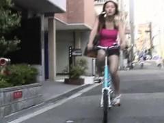 phi-p10-01-girls-on-bikes