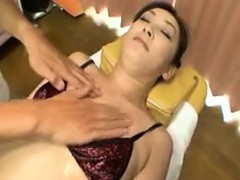 delightful-japanese-lady-has-a-masseur-sensually-caressing