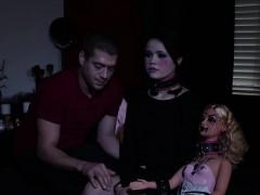 goth-doll-gets-oral-sex
