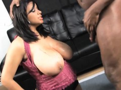 felishia massive tits ratchet kneel for pimp