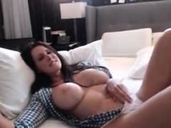 cougar-milf-brunette-big-tits-wants-a-young