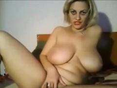 attractive-big-tit-mature-masturbation-on-webcam